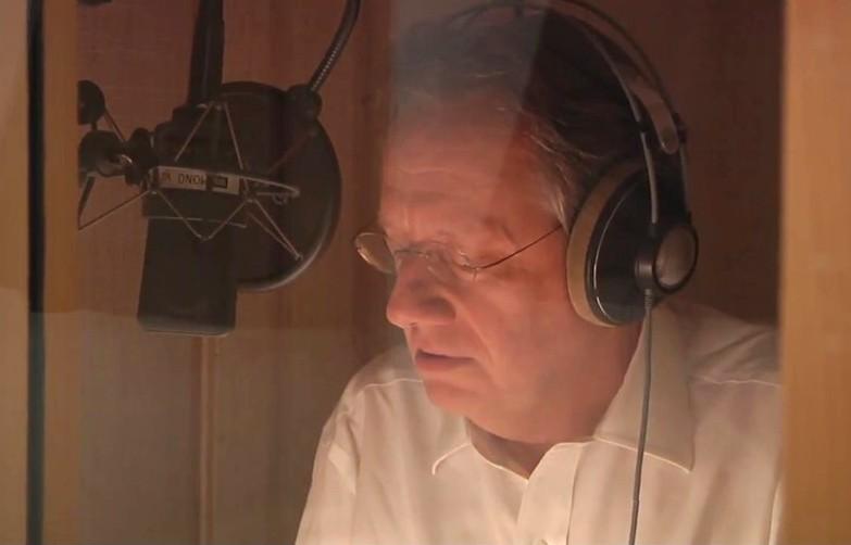 """Aufnahme im Tonstudio des Hörbuchs """"Die letzten Tage der Menschheit"""" (MONO-Verlag)"""